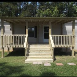 Mobile home with a porch and steps - Ready Decks