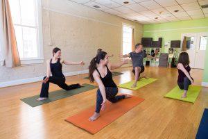 Lunge Twist, Yoga