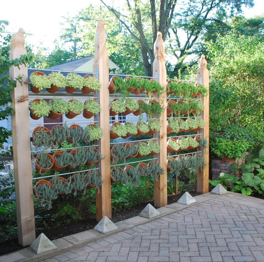 backyard-ideas-vertical-planter-standard_a8c11458b326bd7967148dd2bce20023_860x856_q85