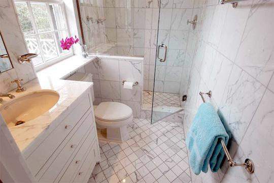 tub-shower-conversion-before-after-standard_3x2_8d69271696246a5062a67aa9f6f3bc74_540x360_q85