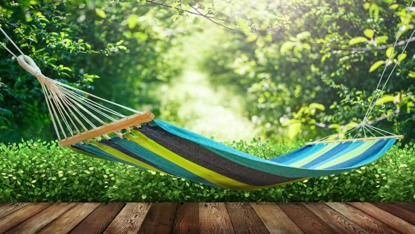 multi-color-hammock-hanging-over-deck-ht4w1280-600x338