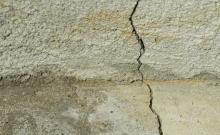 Image of a crack in slab concrete