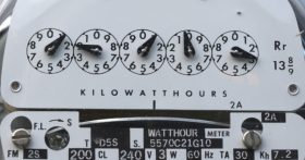 A measurement gauge for kilowatts and their relation to hours.