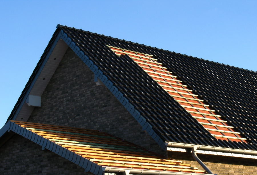 Metal Roofing Installation on Large Home