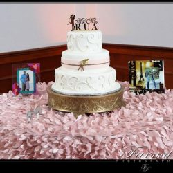 A wedding cake at Royal Palace Ballrooms
