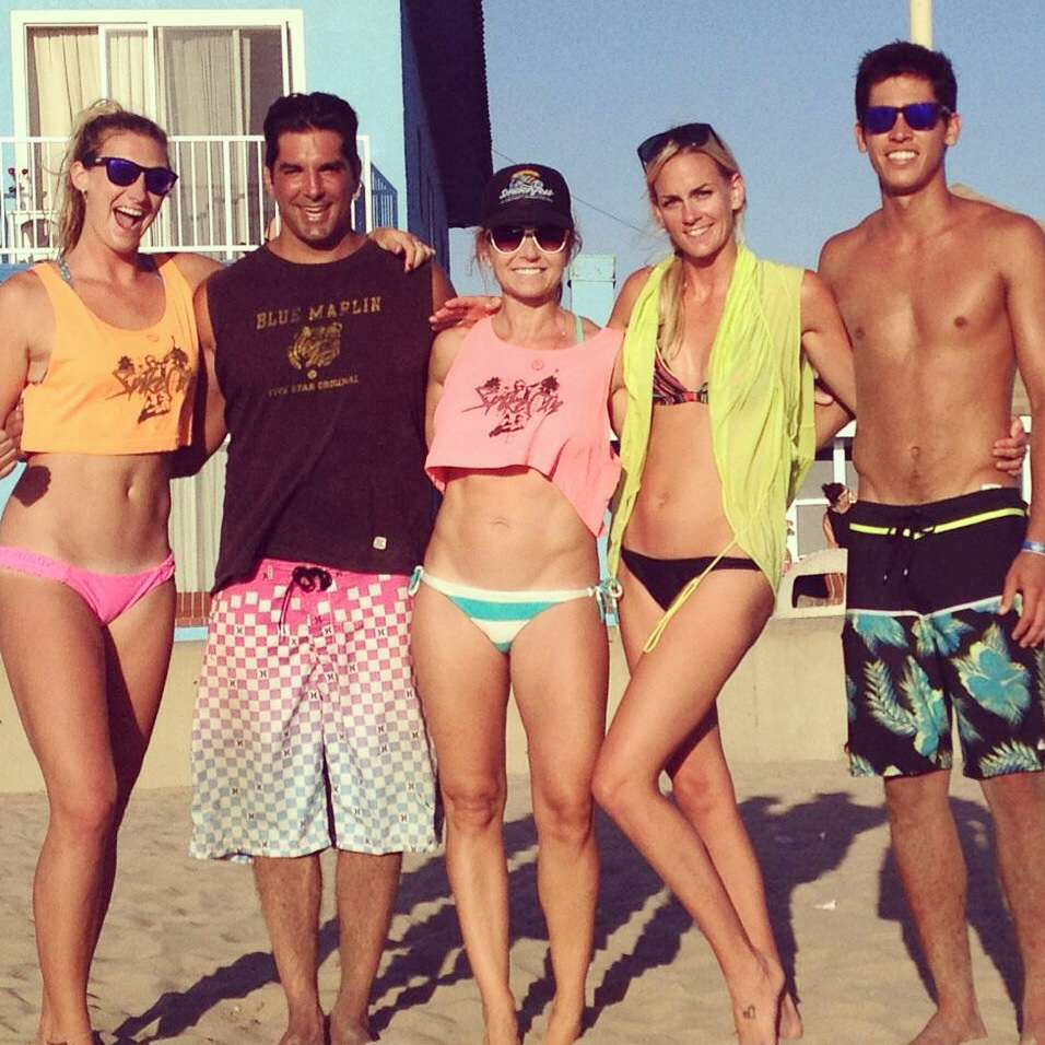 Join our Hermosa beach adult volleyball league today!