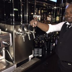 Sparkling alkaline water dispenser for restaurants and bars