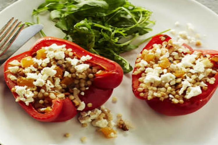 Stuffed-Peppers-with-Couscous-and-Apricots