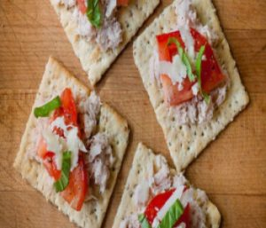 tuna-and-cracker
