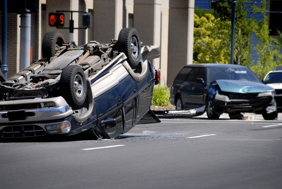 Safety tips to avoid rollover accidents