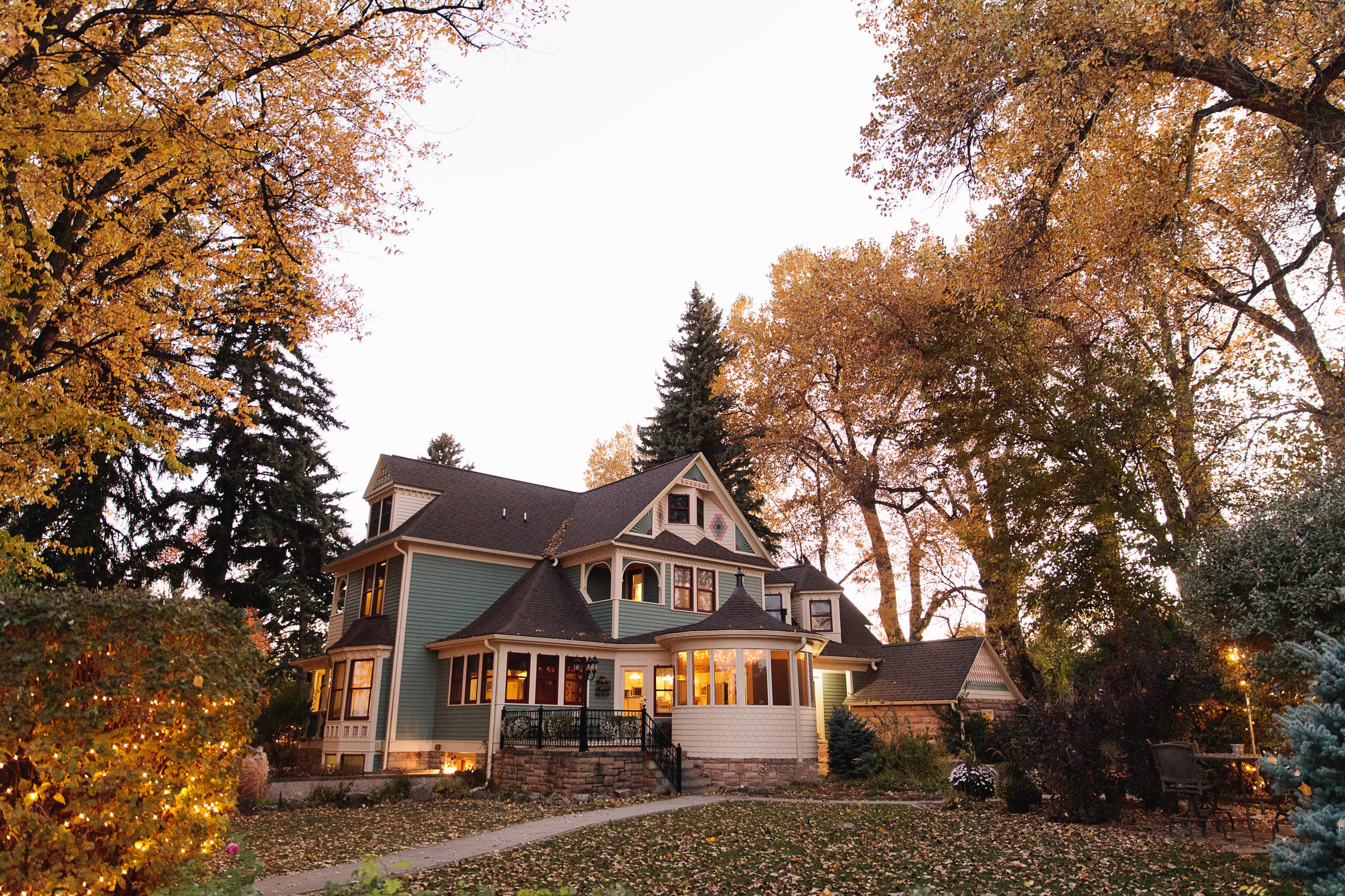 Autumn wedding - Tapestry House - LaPorte, Colorado - Larimer County - Wedgewood Weddings