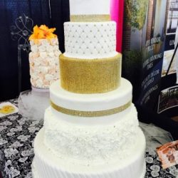 Gold Wedding Cakes | Bling Cakes | unique wedding cakes | Best wedding cakes in dallas fort worth texas | Arlington TX