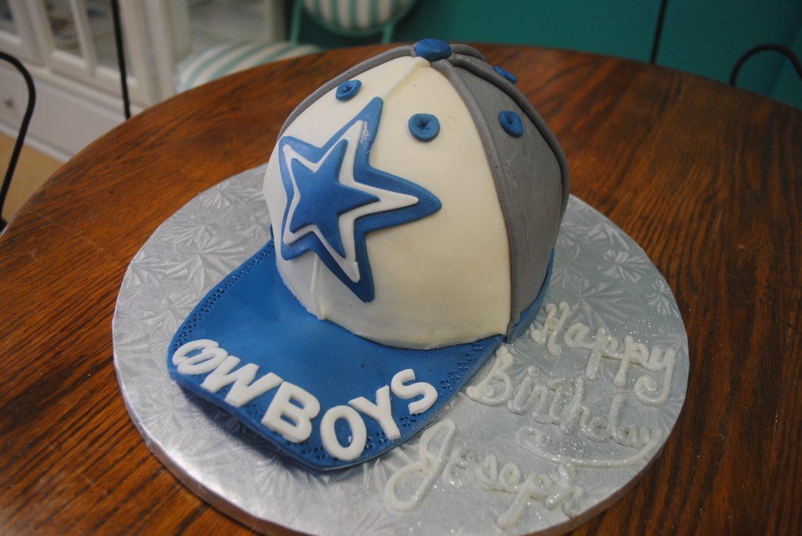 8f8bf21a1bf Girl Minion Dallas Cowboys