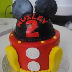 Birthday cakes in Arlington texas, birthday cakes in fort worth texas, affordable cakes in Arlington, affordable cakes in dallas, birthday cakes in dallas, birthday cakes in southlake, birthday cakes in irving, birthday cakes north texas, mickey mouse birthday cakes, small birthday cakes dallas