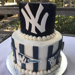 sugar bee sweets, new york, cakes in dallas, yankees birthday cakes, blue cakes, the london baker