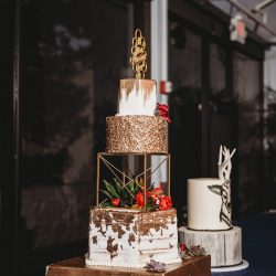 Fort Worth Wedding Cake Bakery | Gold Weddings | Naked wedding cakes | Arlington Wedding Bakery | Custom Wedding Bakery in Dallas