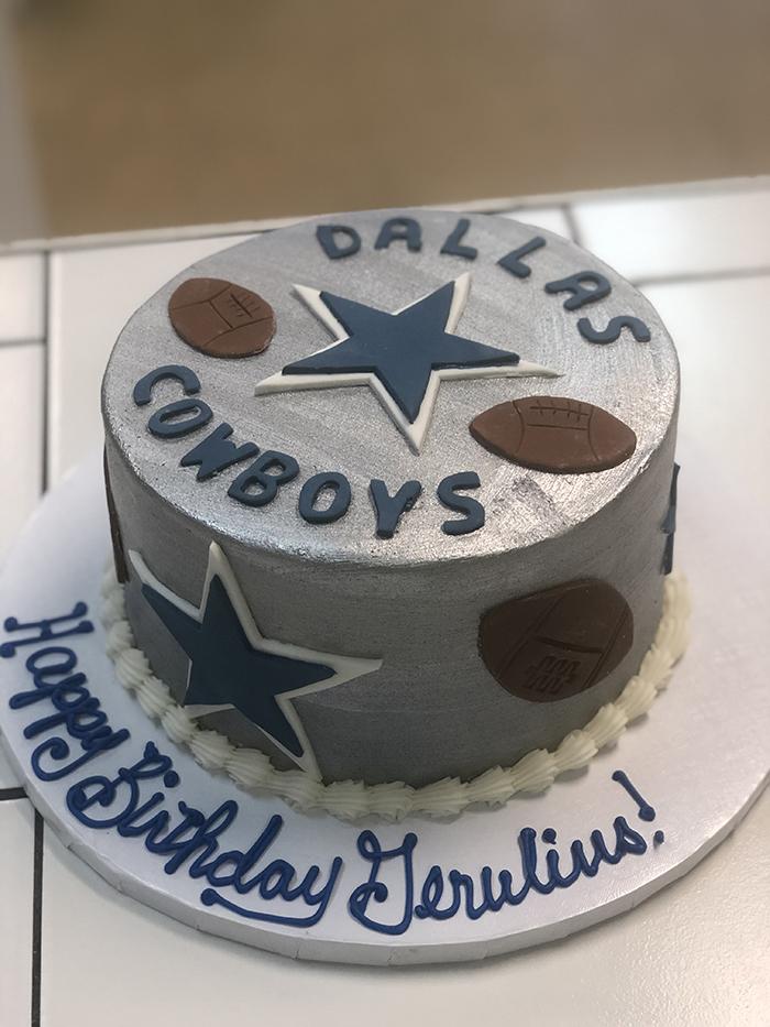 Enjoyable Dallas Cowboys Custom Cakes Thats The Cake Bakery Funny Birthday Cards Online Alyptdamsfinfo