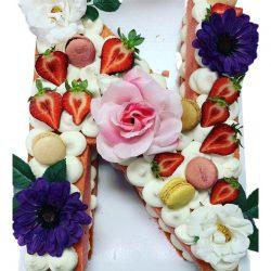 naked letter cakes, buttercream cakes, number cakes, letter cakes, custom birthday cakes
