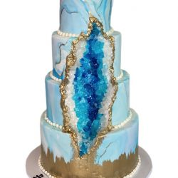 gold geode cakes, blue and gold cakes, geode wedding cakes, marbled cakes, thats the cake, custom cakes