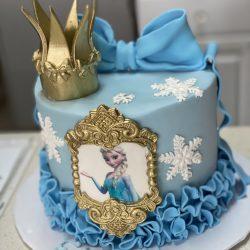 elsa birthday cake, gold and blue cakes
