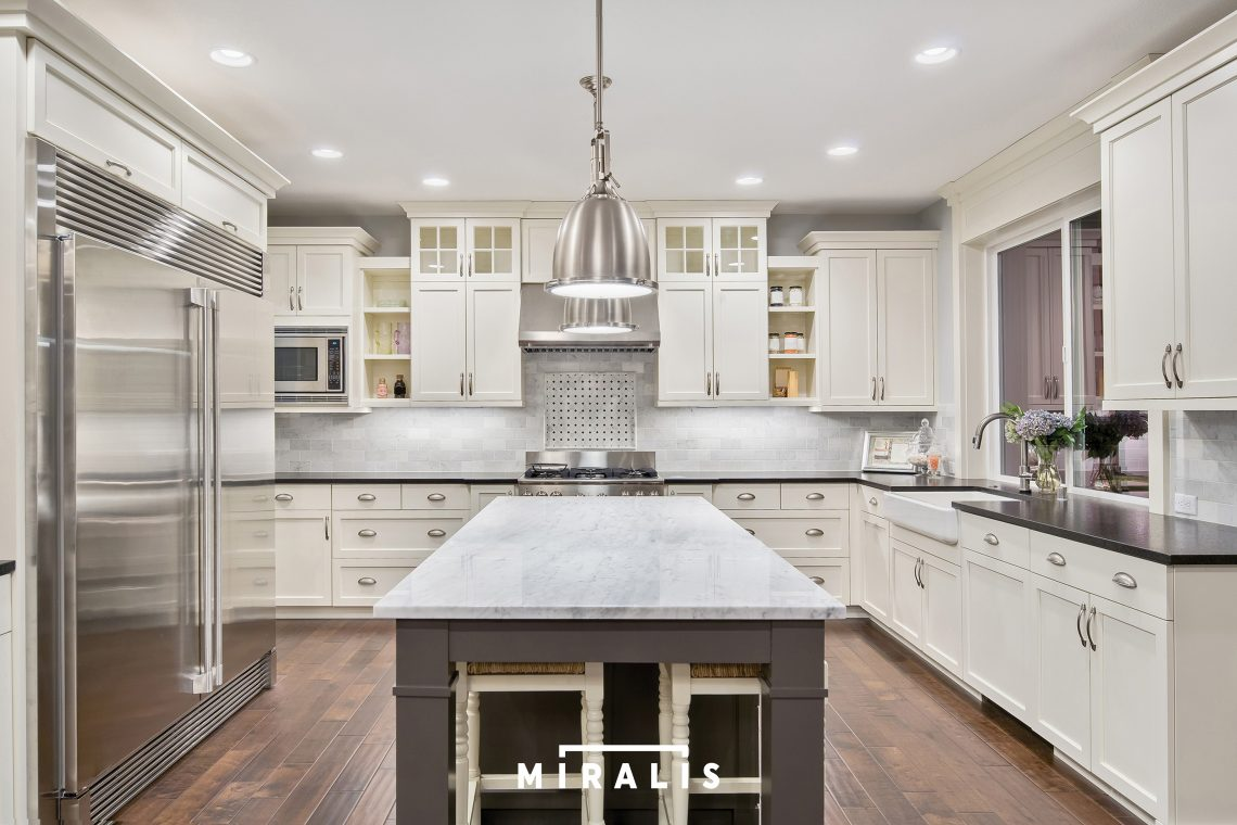 White Kitchen Cabinets - Build Your Whole Design On Beautiful White ...