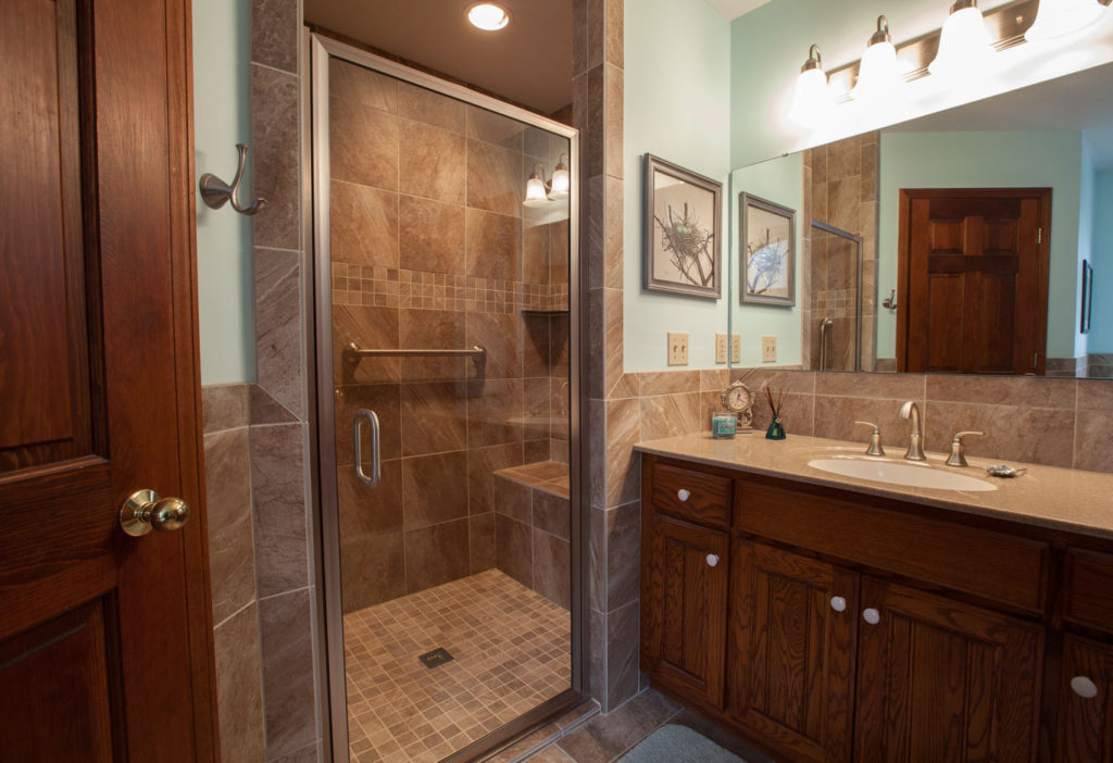 Bathroom Remodel - Get Custom Showers | The Flooring Nook Rolla