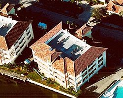Commercial roofing services in the Fort Pierce area