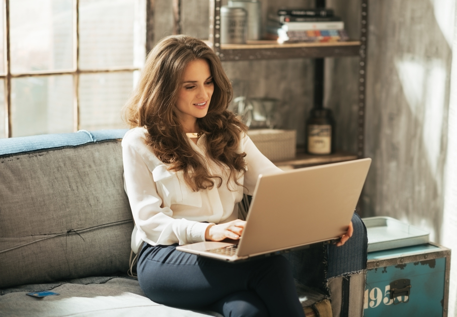 woman-on-laptop-in-loft