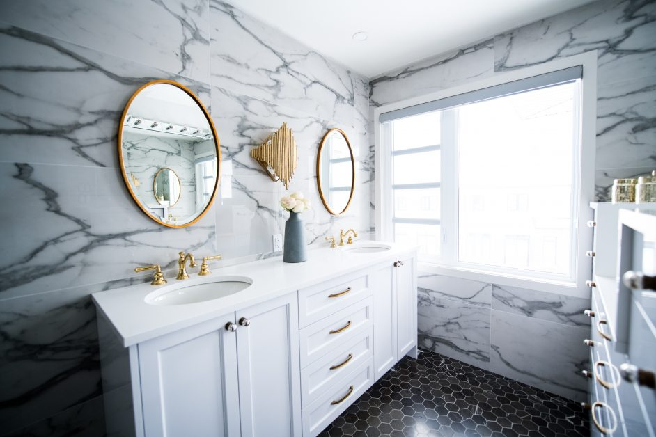 An image of a fancy bathroom.