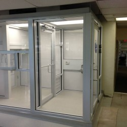 We build modular clean rooms!