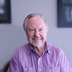 Dr. Josef Bartos, family dentist at Trillium Dental in Orléans, Ottawa.