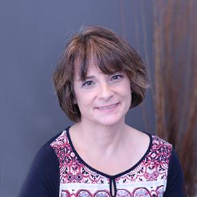 Dr. Lucia Dibacco, family and cosmetic dentist at Trillium Dental in Alta Vista, Ottawa.