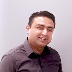 Dr Vijayant Kapur