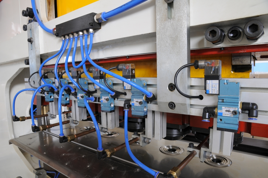 Outsourcing Manufacturing: Find The Best Factory To Manufacture Your