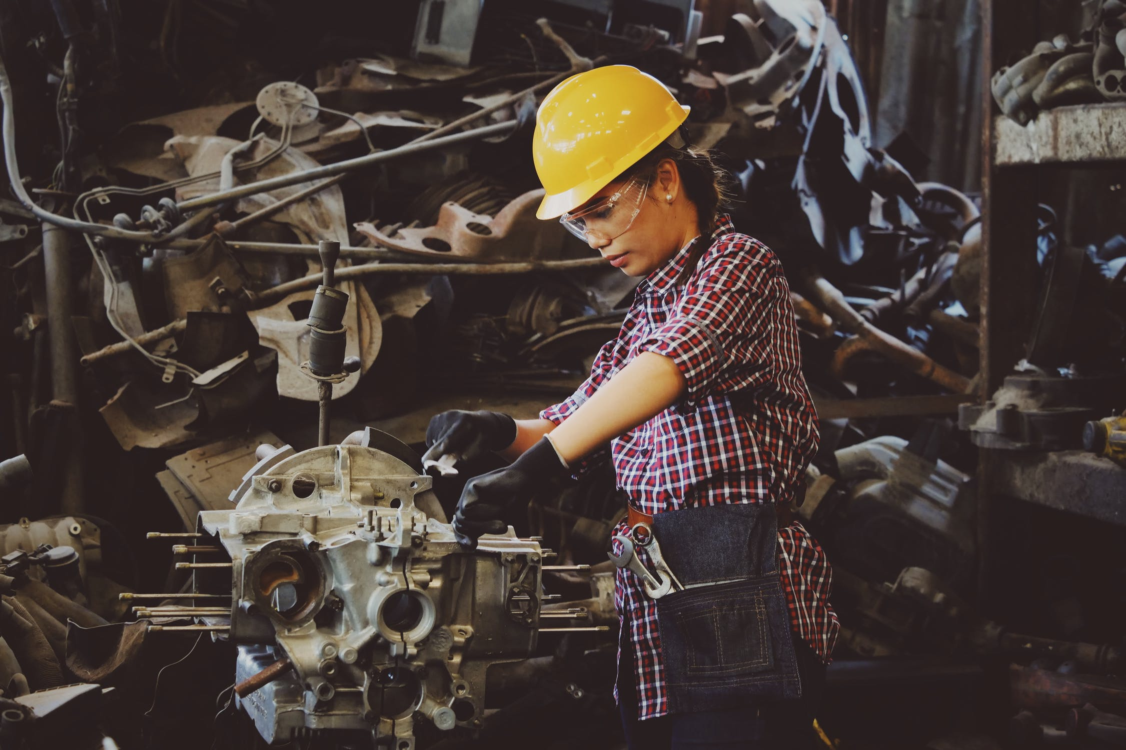 Outsourcing Manufacturing: What Companies Do Overseas