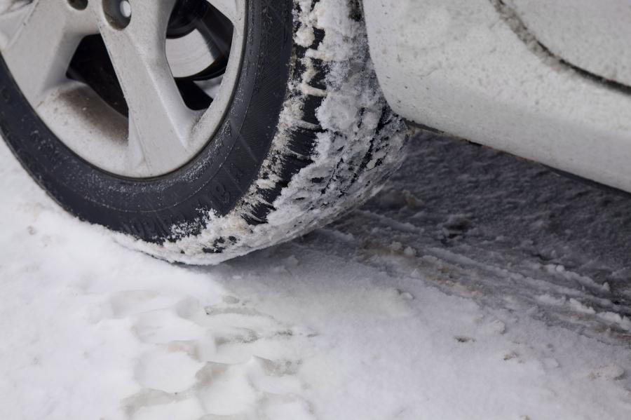 snow-tire