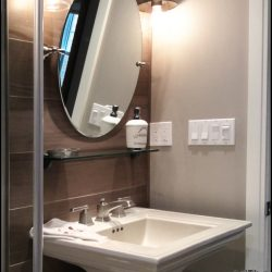 Enjoy our luxury bathroom in our travel lodge at The Vineyard Suite.