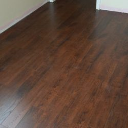 Laminate wood flooring installation without footers