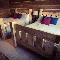 Comfortable Cabin Retreat Accommodations for Two