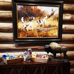 Snack Accommodations at Elk Hunting Cabin Stay