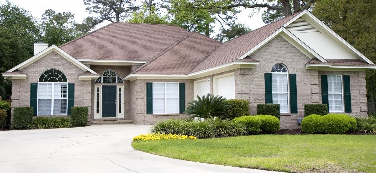 Street view of a nice suburban home.