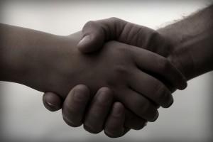 stockphotos_peaceful_handshake_1382240388c5bed-600x400-300x200